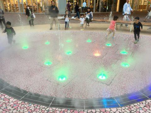 テラスモール水遊び・LED照明