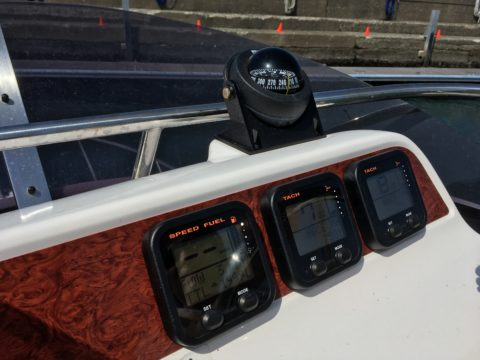 ボートの計器類