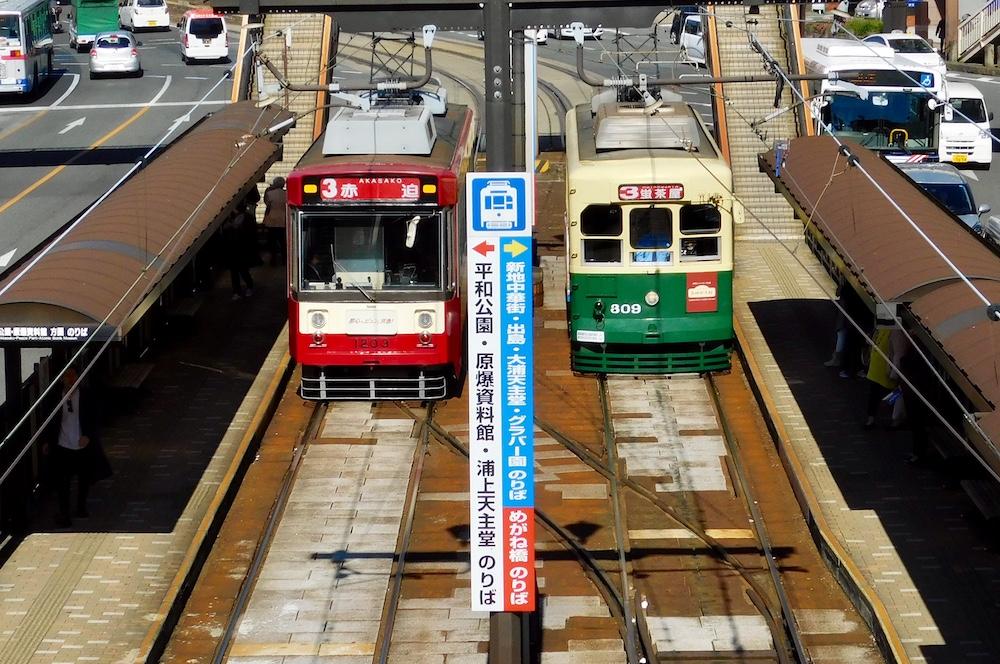 長崎駅前のチンチン電車