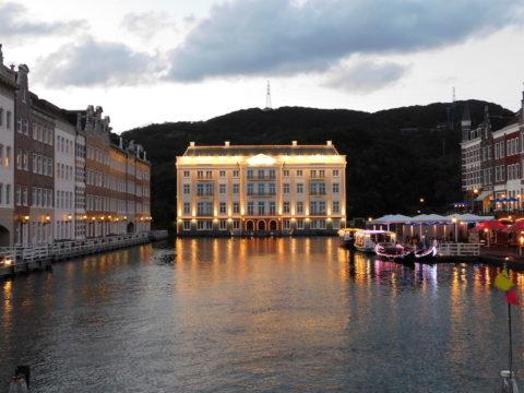 ハウステンボス夕方のホテルヨーロッパ正面